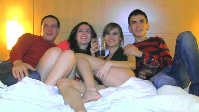 Fakings - Ainara, Jordi, Alex, Dafne - Fieston en la noche loca de la pandilla [SD 540p]