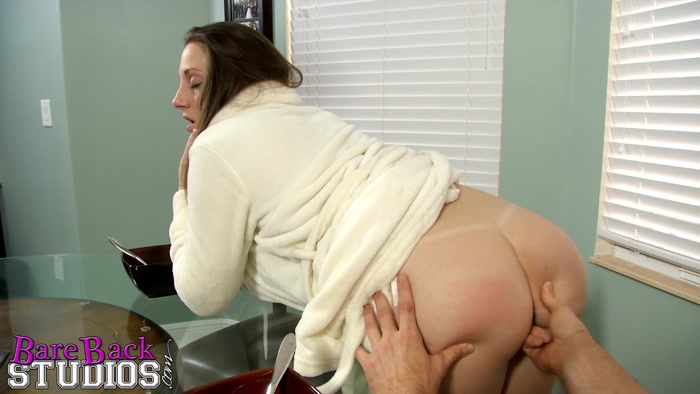 Clips4Sale: Mommy makes me a man - Melanie Hicks [2015|HD 720p|1.35 GB]