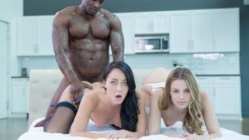 Jillian Janson, Sabrina Banks ( Two Girlfriends Share a Huge Black Cock / 31.05.15) HD 720p