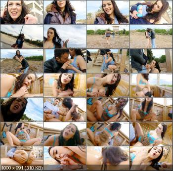 Claudia Bomb - Claudia Loves To Fuck Outdoor! [PublicInvasion] (HD 720p|MP4|726 Mb|2013)