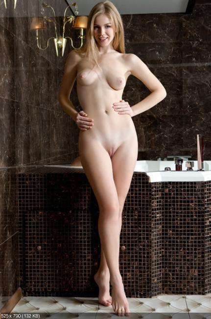 Голые блондинки фото в полный рост