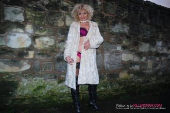 Blondie Wild_Loves A Dogging Mission